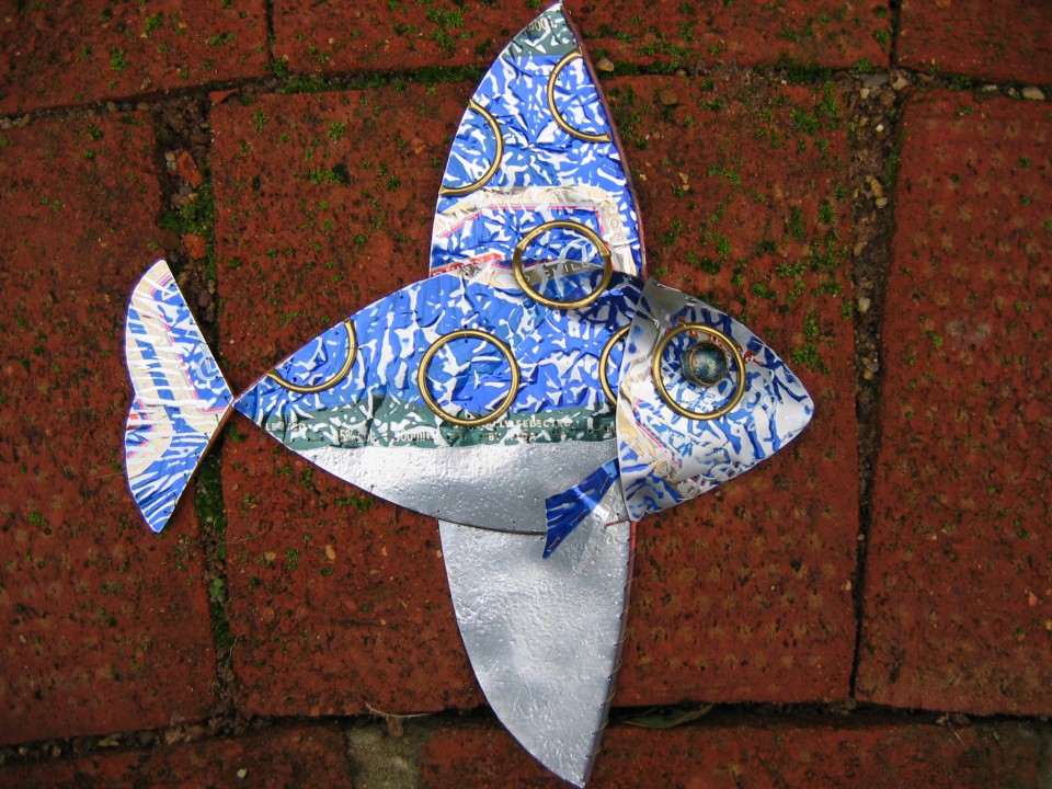 Aluminium can flying fish