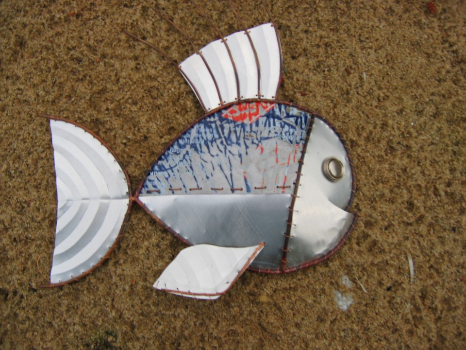Aluminium can fish