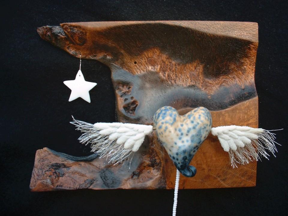Flying heart star detail